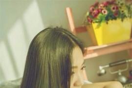 唯美干净纯白长发女生